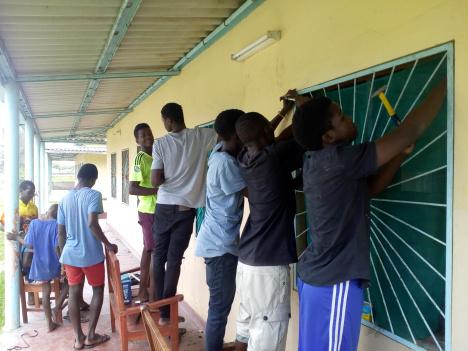 Trabajos de mantenimiento en el Lar Sao Jeronimo