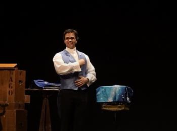 Manu el Mago: un espectáculo de magia solidario