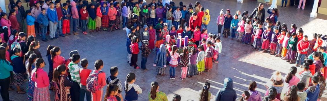 La hazaña de ser niña indígena y estudiar en la Tarahumara